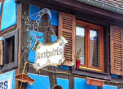Antiques store sign